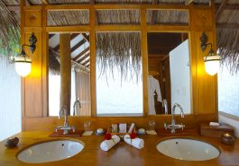 ber001849_beach-villa-bathroom