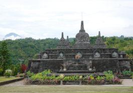 ber001663_buddhist-monastery-by-m.-verhoef-9-