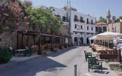 ber001615_nordzypern-hafenpromenade-mit-minarette